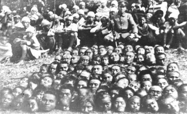 日本人炫耀屠殺台灣人的人頭照片。